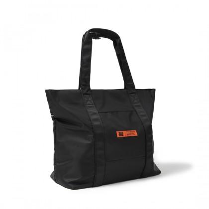 SANDSTONE Tag Tote Bag | Black - 05