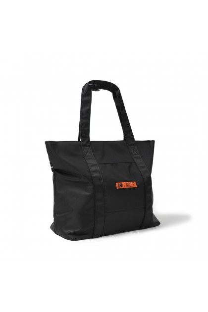 SANDSTONE Tag Tote Bag | Black - 05