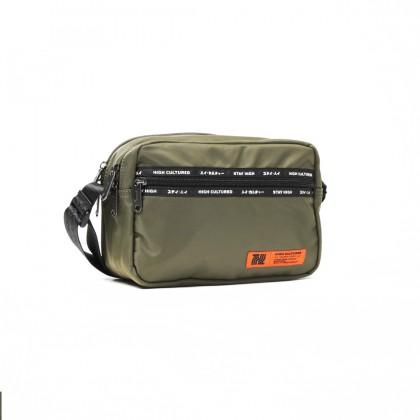 SANDSTONE Tag Medium Essential Bag | Army - 46